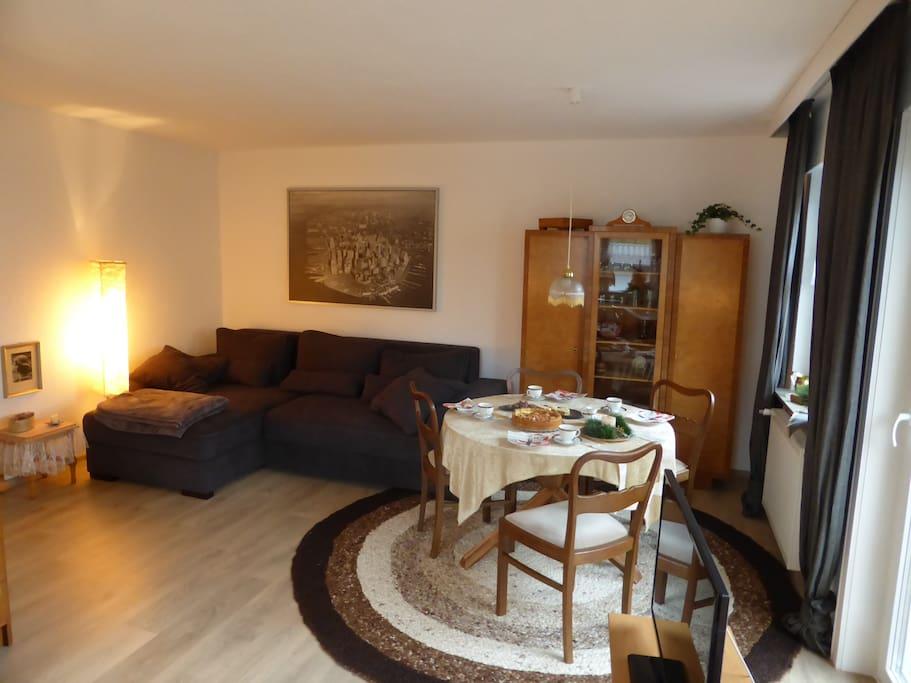 Wohn- und Schlafzimmer I