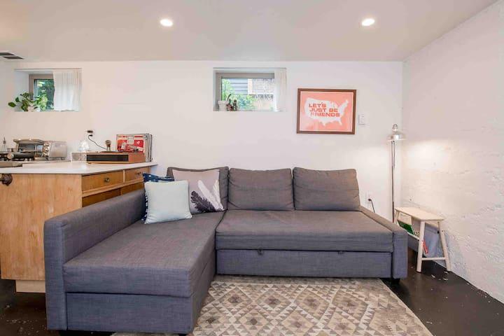 Private Basement Apartment - Great NE PDX Location