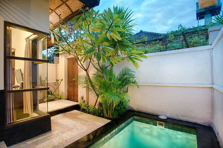 Recommended Beach-Front Villa with Private Pool