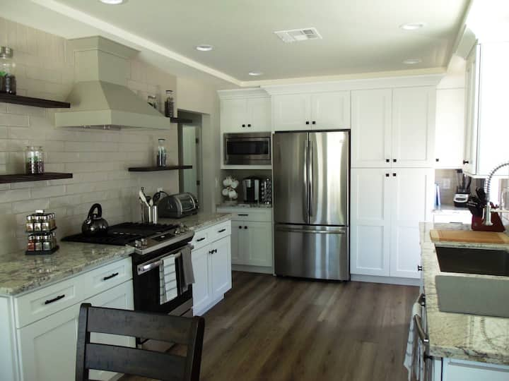 GORGEOUS REMODELED HOME IN THE HEART ❤️ OF VENTURA