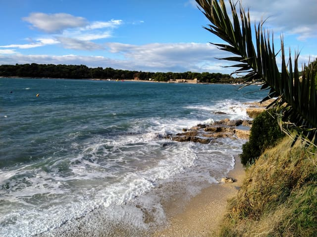 App Sun, 70m from beach