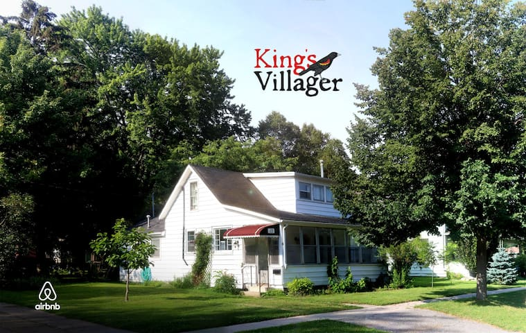 """Kingsvillager"" - Heritage Retreat - Kingsville - Ev"