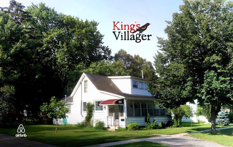 """Kingsvillager"" - Heritage Retreat - Kingsville - Casa"