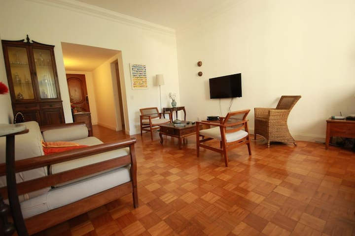 Tavora 203 | Wi-fi | TV | 3 Bedrooms | 6 pax