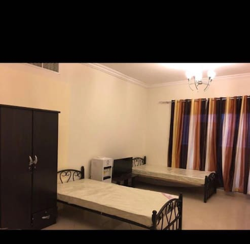Clean Bed Space For Rent next to Metro Station