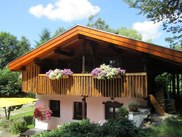 """Ferienhaus """"Zopfhäusl"""" Bayerischer Wald Böbrach"""