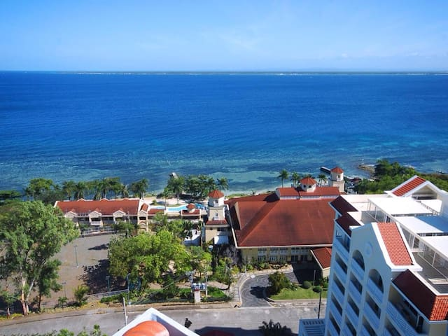 Large 2 Bedroom Condo with fantastic seaviews - Lapu-Lapu City - Huoneisto