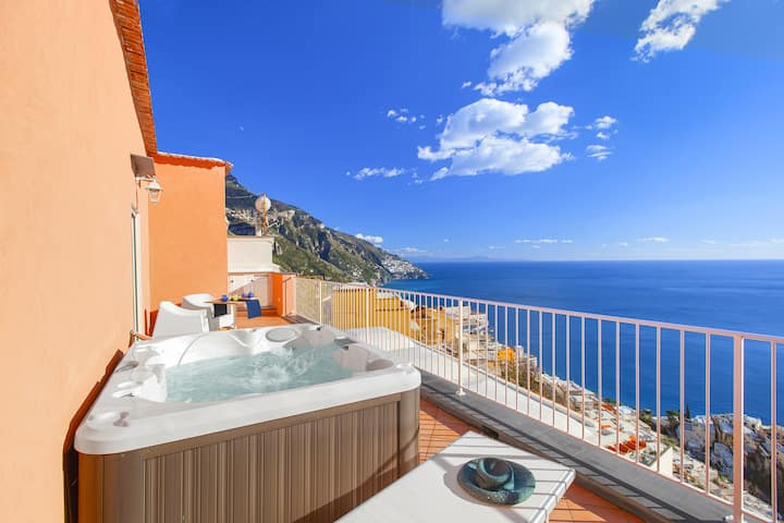 AMORE RENTALS - Casa Bluedream with Sea View, Terrace and Jacuzzi in Positano