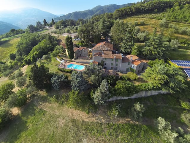 Bella CasaToscana, stunning views & swimming pool