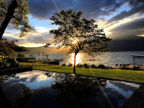 Monte Carlo -Largest Lakefront Villa at Coatepeque