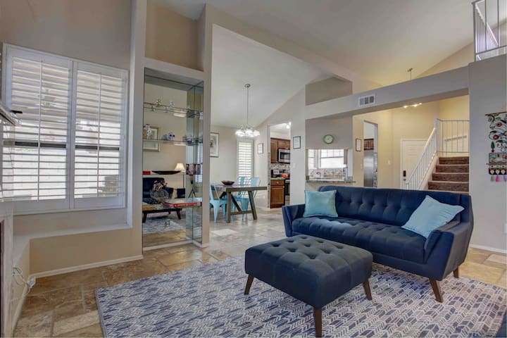 Beautiful Lakefront property in Downtown Chandler