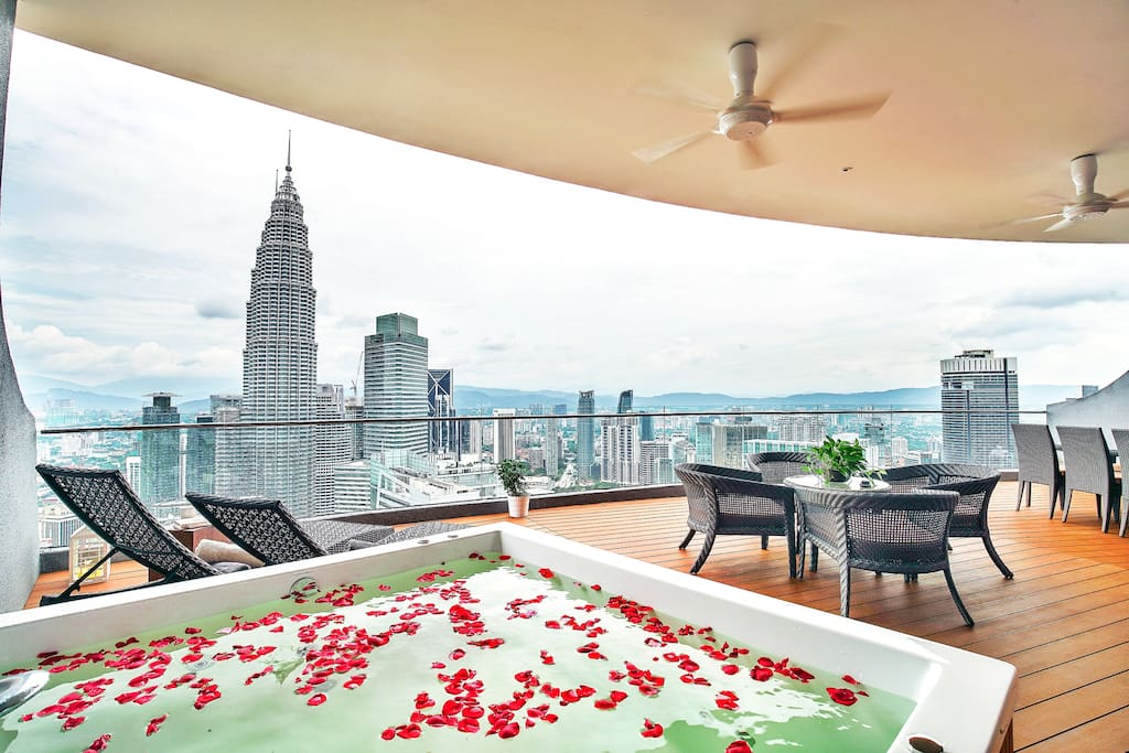 The Penthouse Klcc 1 Condominiums For Rent In Kuala
