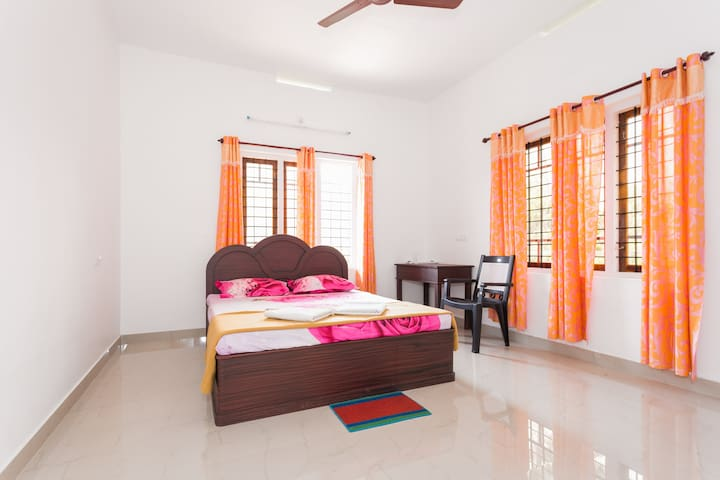3 Bed Room Apartments in munnar - Idukki - Apartamento