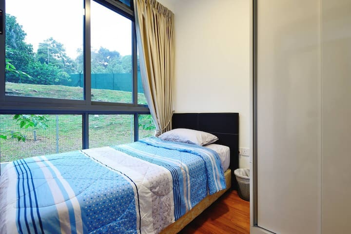 New cosy apartment (ROOM 3) 150m to MRT