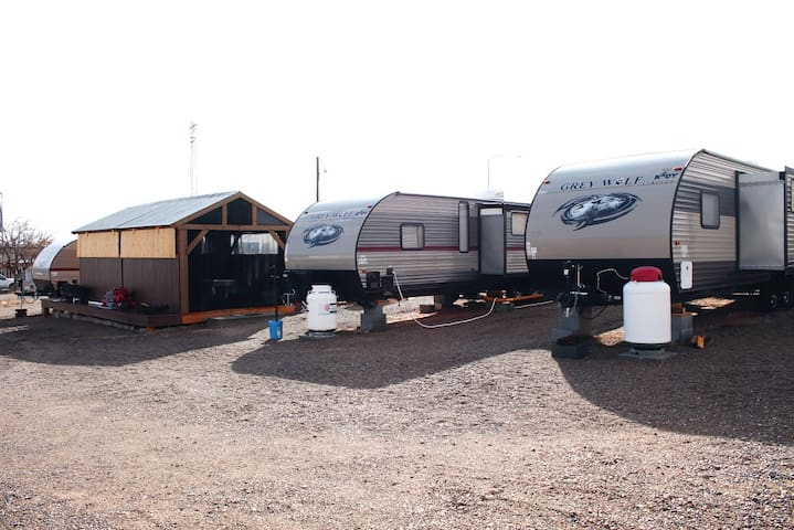 CALIOC Premium RV Resort Camping, Big Water RV#2