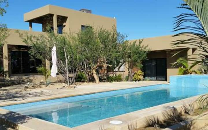 Private home with pool & hot tub- near North Beach