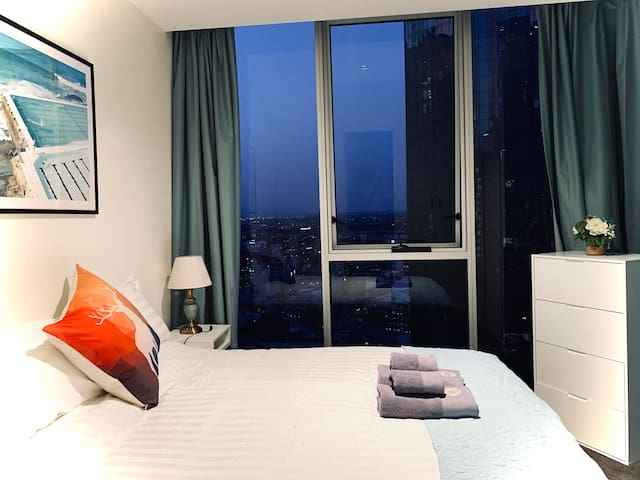 """Morandi II""BEST CBD Location 2BR Apt &Car Park"