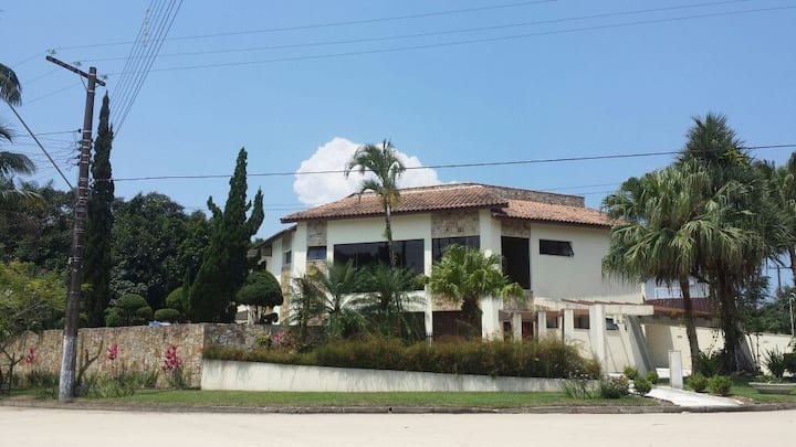 Excelente casa de praia na Riviera São Lourenço.