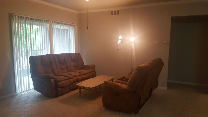 Cozy Room Near SMF Airport - Sacramento - Appartamento