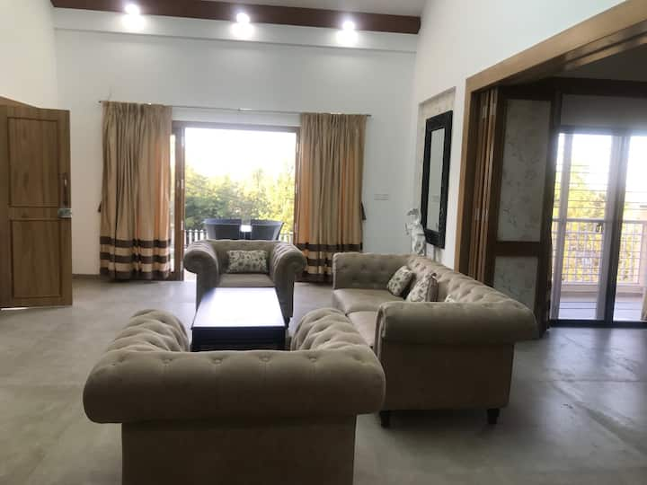 Luxurious new 4 BHK House at Panchgani