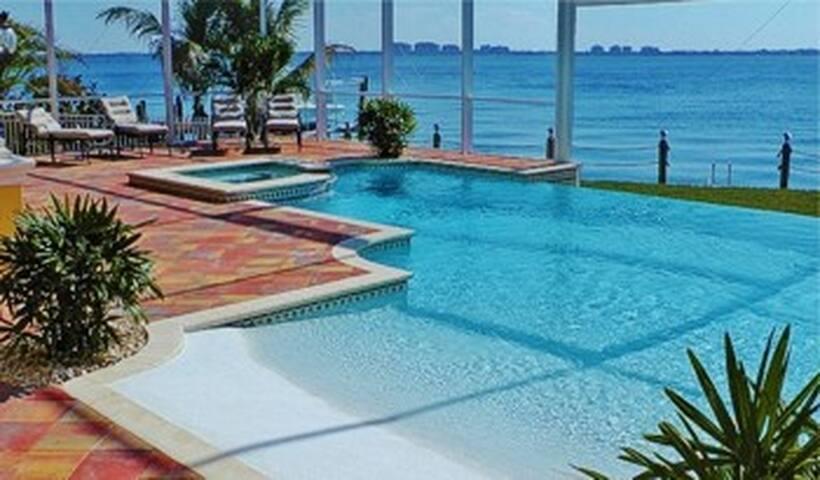 Villa Bayshore Estate - Cape Coral - Villa