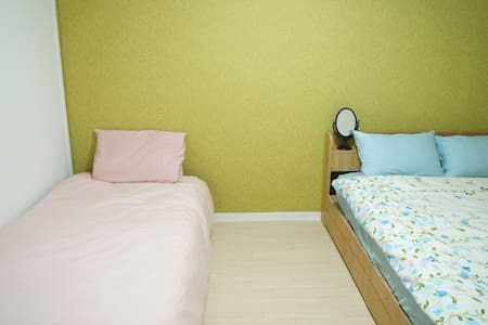 3LDK located in Dotonbori! CONVENIENT! ROOM 3 - Naniwa Ward, Osaka