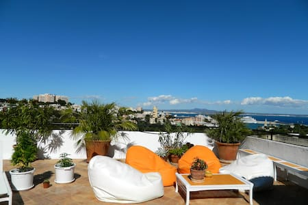 Les jardins suspendus- Penthouse - Palma - Bed & Breakfast