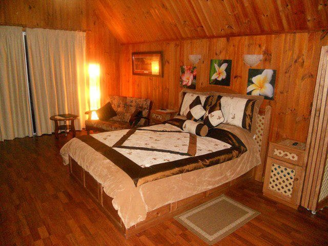 Chalets plus Separate Studio - Anse Royale  - House