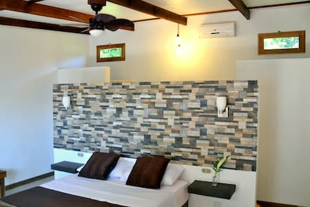 Room type: Private room Bed type: Real Bed Property type: Cabin Accommodates: 2 Bedrooms: 1 Bathrooms: 1