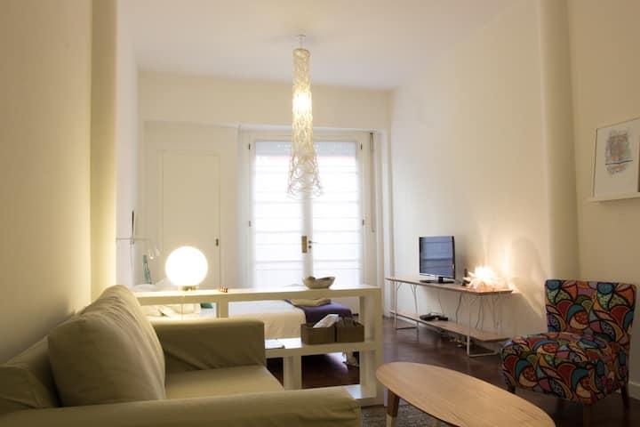 Nice renovated Studio with balcony in Recoleta