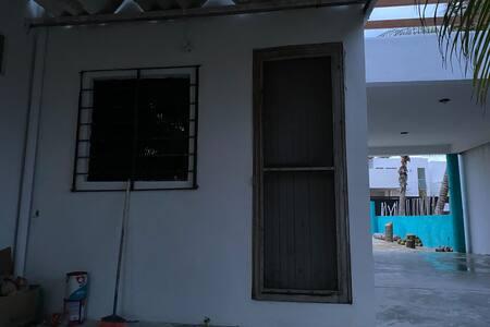Casa a 50 metros de la playa. 🏝
