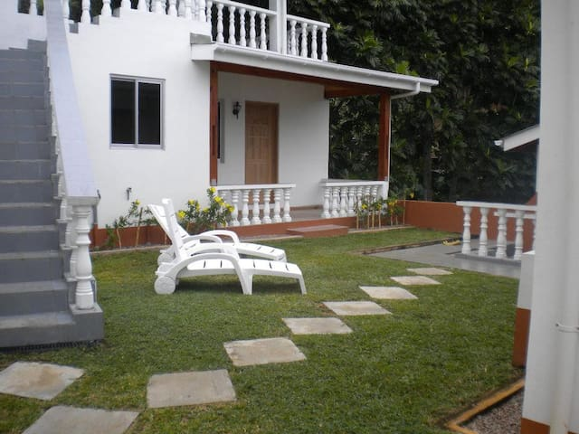 Cosy Bungalow  close to beaches - Anse Royale