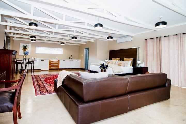 Munro Suites