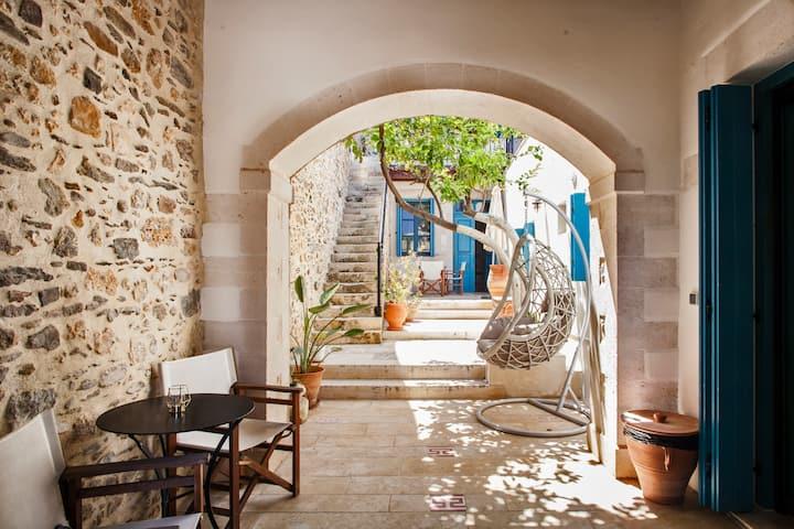 Villa Aposperitis, Panormo, Crete