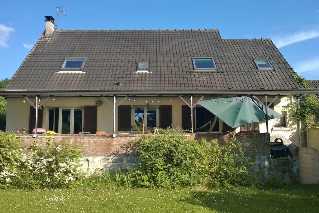 Grande maison familiale avec jardin maisons louer saint ouen l 39 aum ne le de france france - Location maison jardin ile de france colombes ...