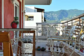 Picture of Bright room with balcony