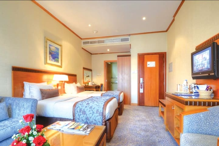 Private rooms at Sheikh Zayed road /Palm Jumeirah