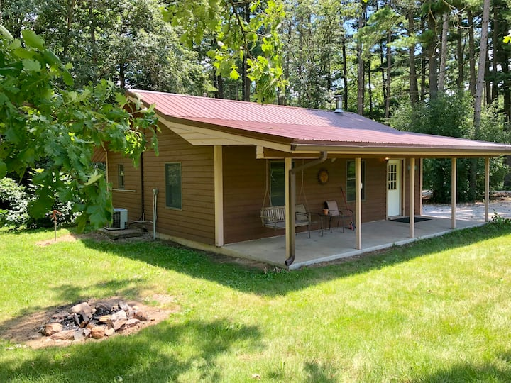 Kishauwau's Starved Rock Area Cabins - Dog Friendly (Winnebago) Cabin with whirlpool sleeps either 3 adults or 2 adults/2 kids