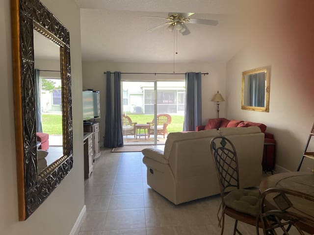 Sun&Fun - Beautiful renovated 2/2 villa in Jupiter