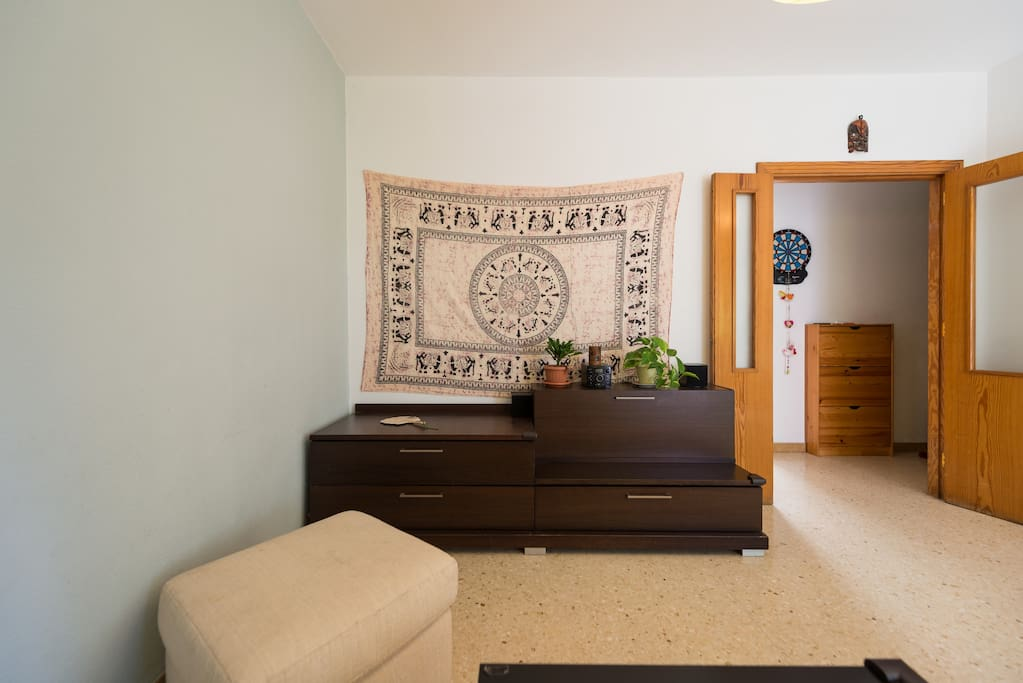 alquilo habitacion por dias bed and breakfasts en alquiler en las palmas de gran canaria. Black Bedroom Furniture Sets. Home Design Ideas