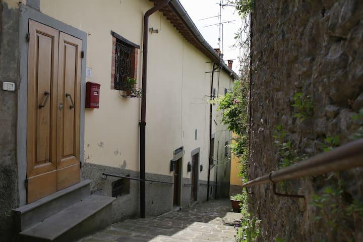 Appartamento unico e accogliente - Poppi - Apartment