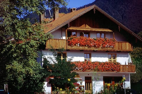 "Ferienwohnung 1, ""Faller"", 2 Zi, Balkon, Bergblick"