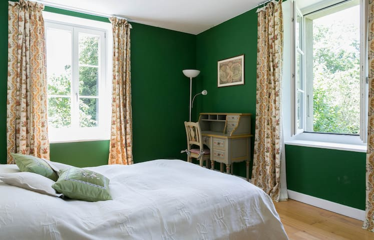 The Green bedroom in farmhouse - Genève - Hus