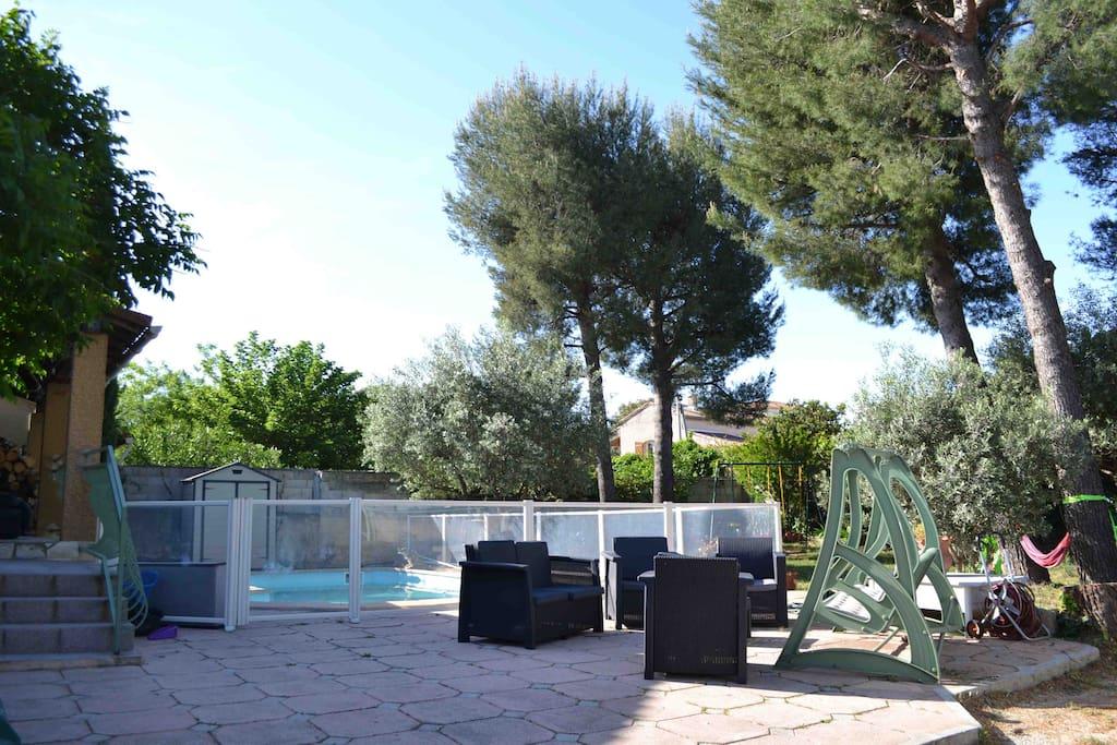Charmant t1 au calme avec piscine houses for rent in for Camping alpes hautes provence avec piscine