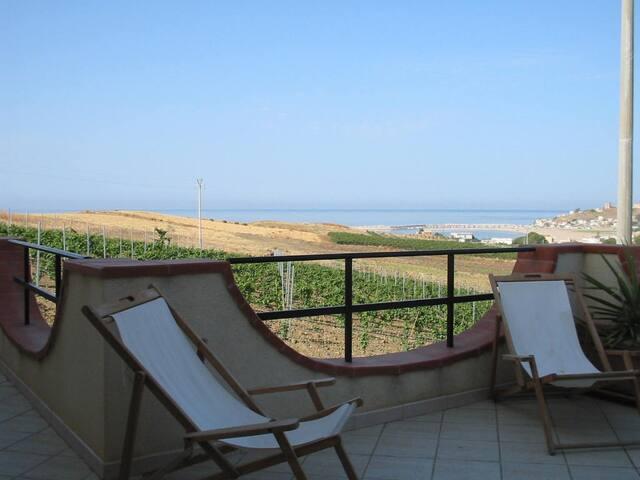 Appartamento vista mare - Porto Palo - Casa