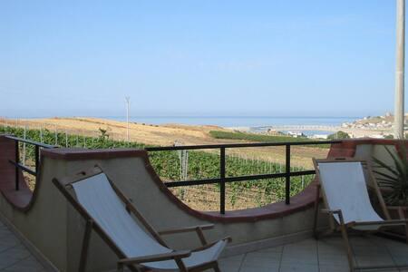 Appartamento vista mare - Porto Palo
