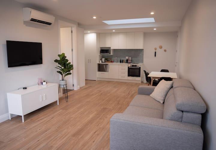 Brand new 1 bedroom unit in the ❤️ of Khandallah