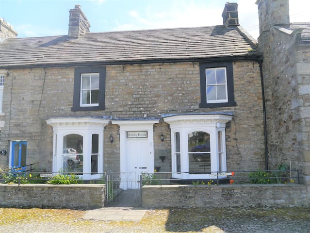 Spacious Cottage in Swaledale, Yorkshire Dales