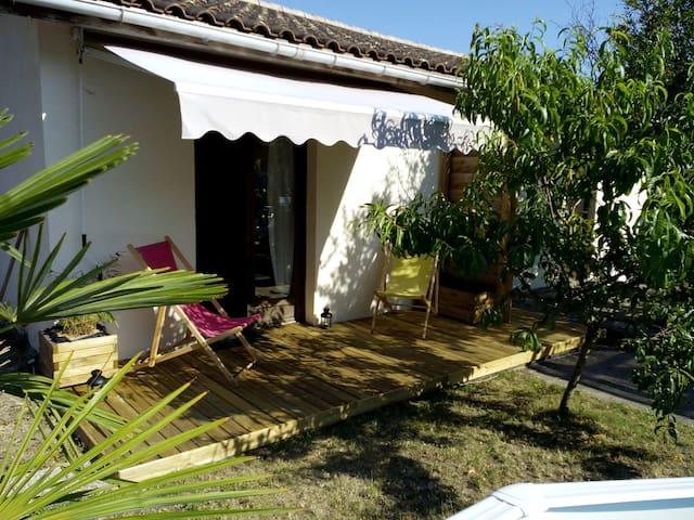 Studio indépendant dans jardin - Le Taillan-Médoc - Ház
