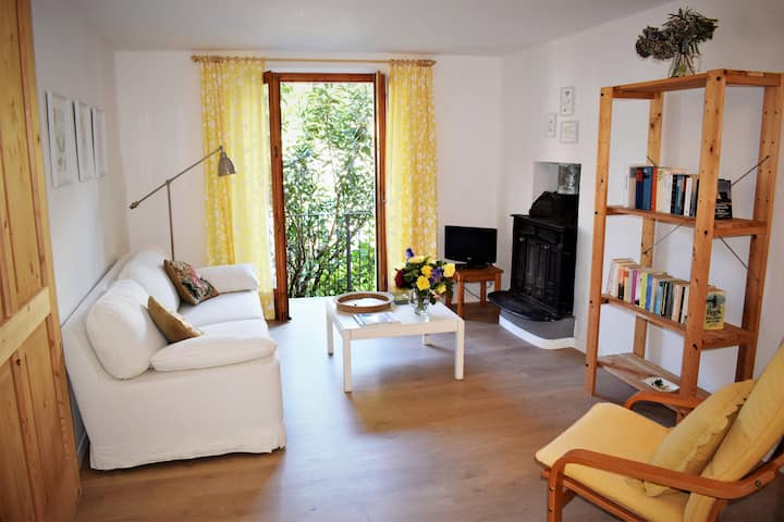 Enjoyable location in old house, Lake Maggiore